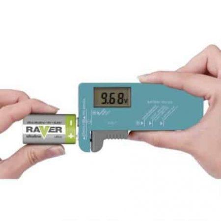 Univerzalni tester baterij z LCD zaslonom