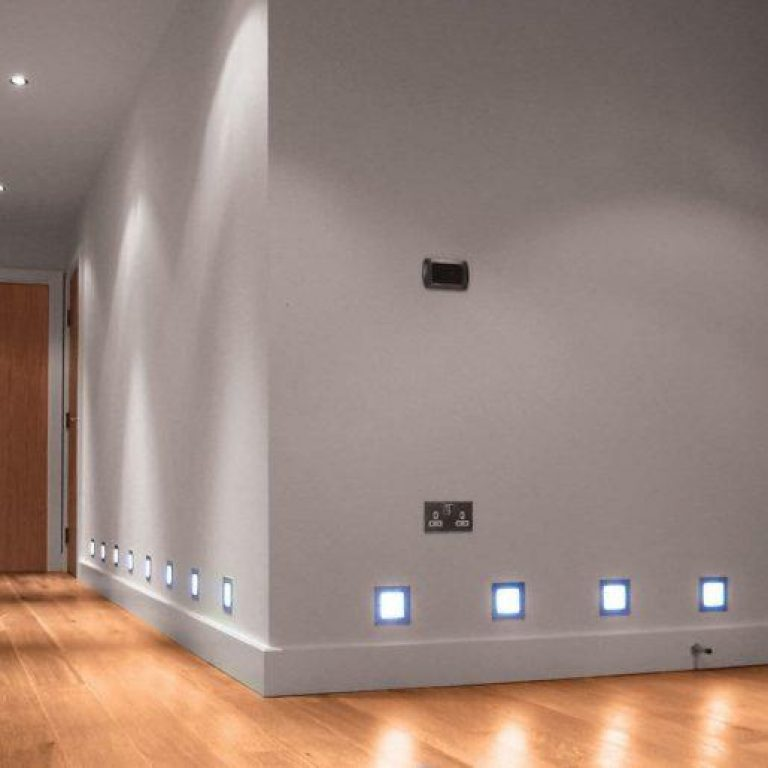 Zunanja vgradna LED svetilka 3W 4500K črna kvadratna