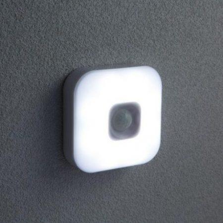 USB polnilna LED svetilka s senzorjem gibanja